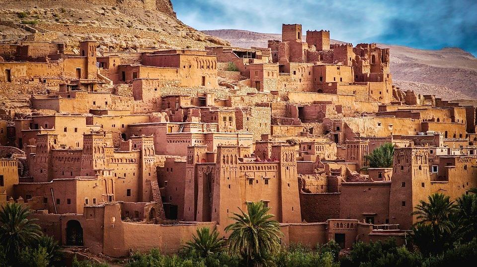 Морокко город в пустыне-горе