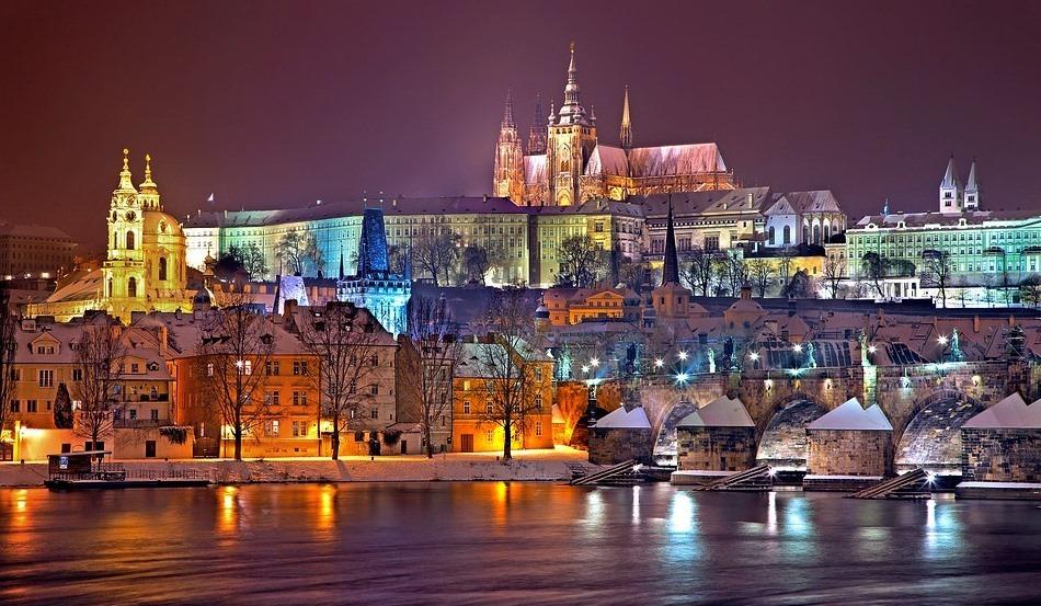 Прага вечерний европейский город