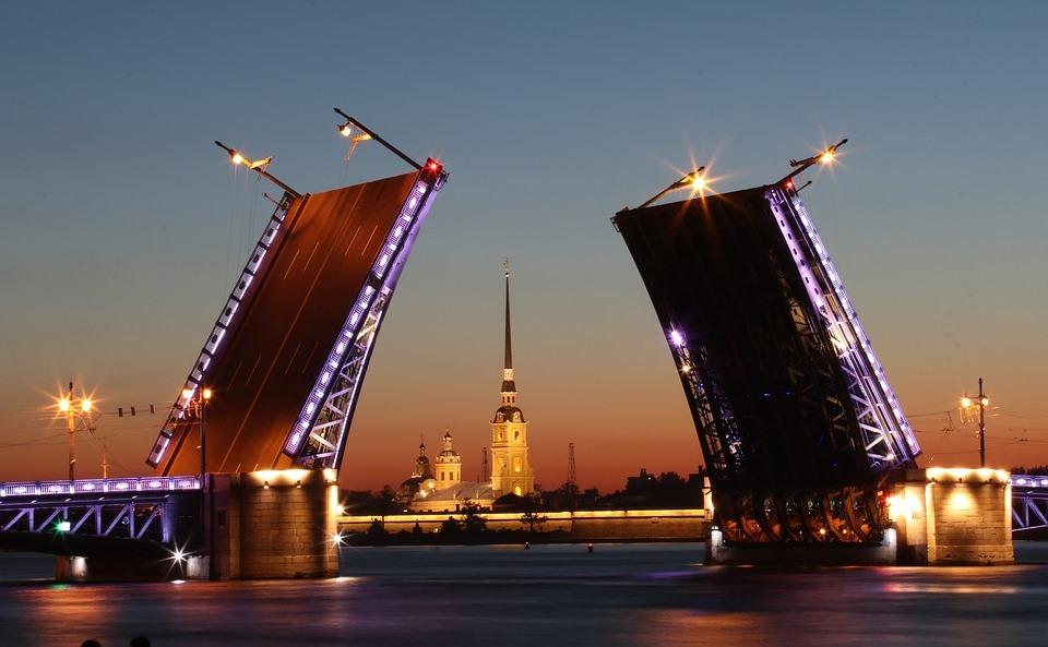 Туры выходного дня в Петербург