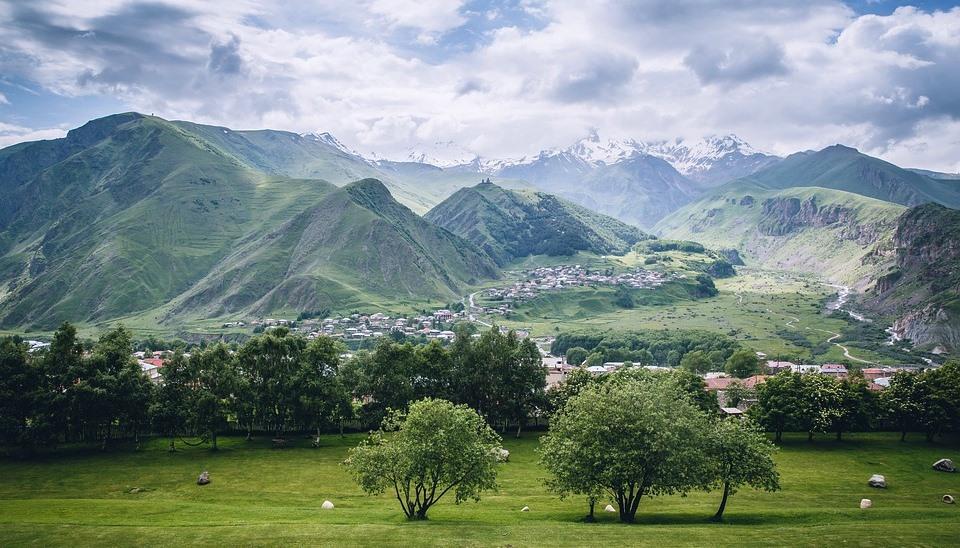 Автобусный тур в горы Грузии