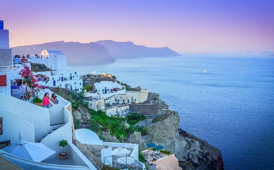 Греция вид с белых домов на море
